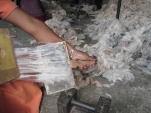 Weaving process - hand carding